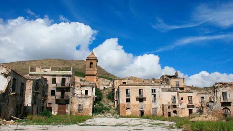 Aventura en pueblo abandonado